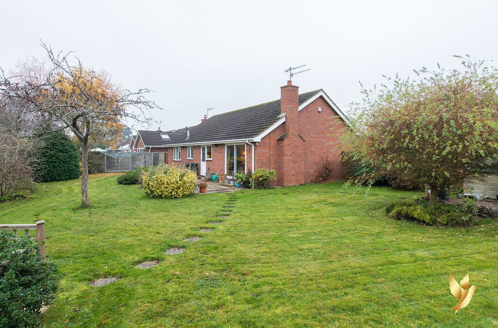 23 Meadow Close, Kempsey, Worcestershire WR5 3NL.