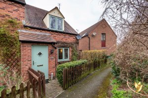 28 Great Oaty Gardens, Worcester, #Worcestershire, WR4 0HD.